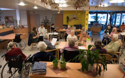 Berufsbildende Schulen bringen Weihnachtsstimmung ins Altenheim