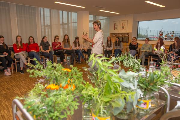 Kräuterworkshop mit würzigen Rezepten