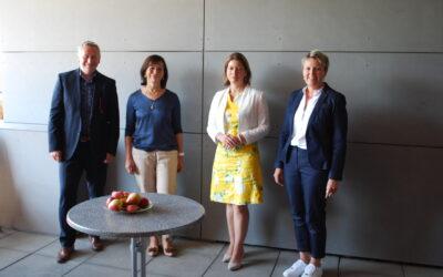 Bezirkshauptfrau Elisabeth Leitner besucht die BBS Kirchdorf