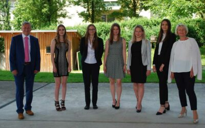 Aus Schülerinnen werden zertifizierte Finanz- und Risikomanagerinnen